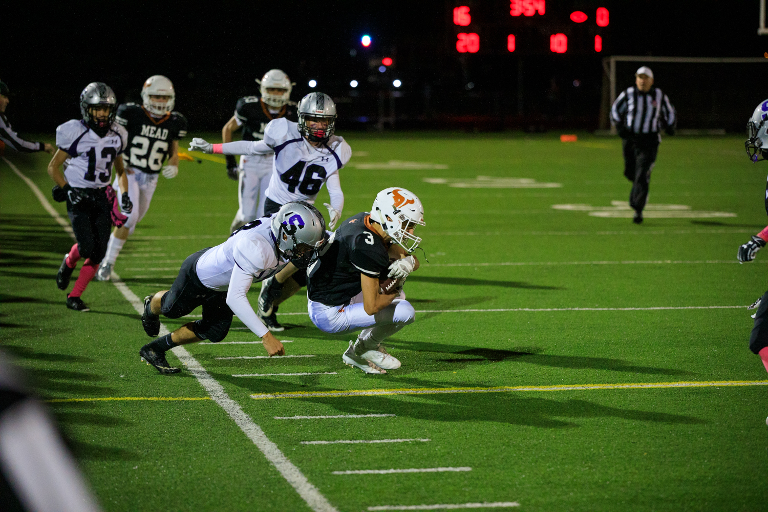 Skyview+punts+to+Mead+after+the+safety.+%233+Brayden+Keys%2C+Sophomore%2C+returns+the+ball+back+to+Mead%27s+49+yard+line.