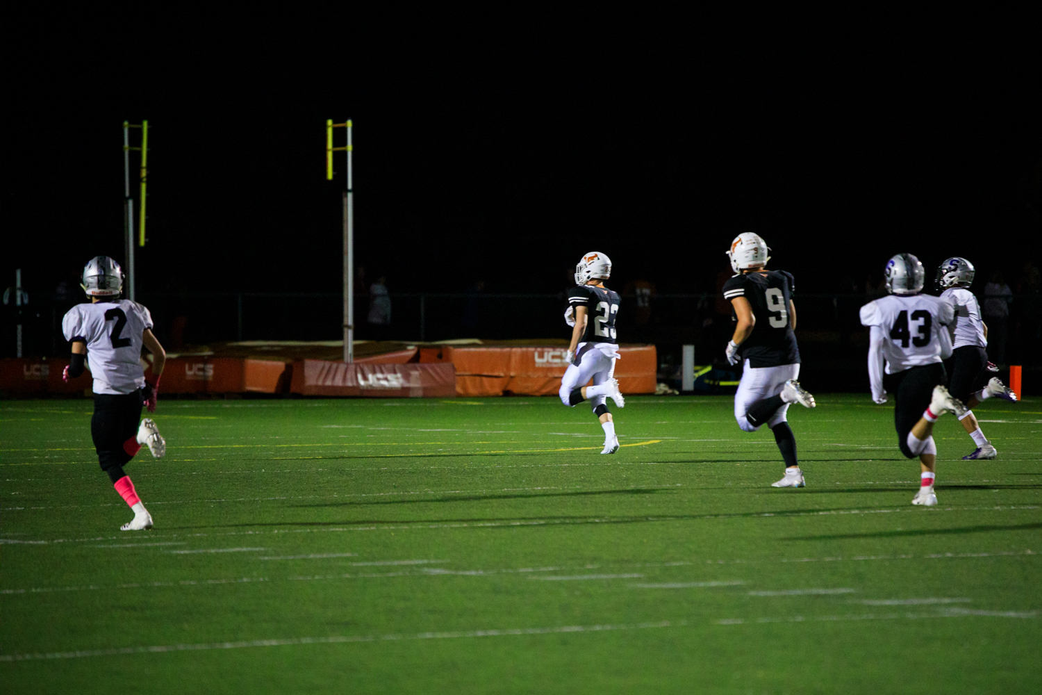 Wachter+takes+that+run+all+the+way+to+the+endzone+for+his+second+touchdown+of+the+night%2C+placing+Mead+up+30-0+after+the+PAT.