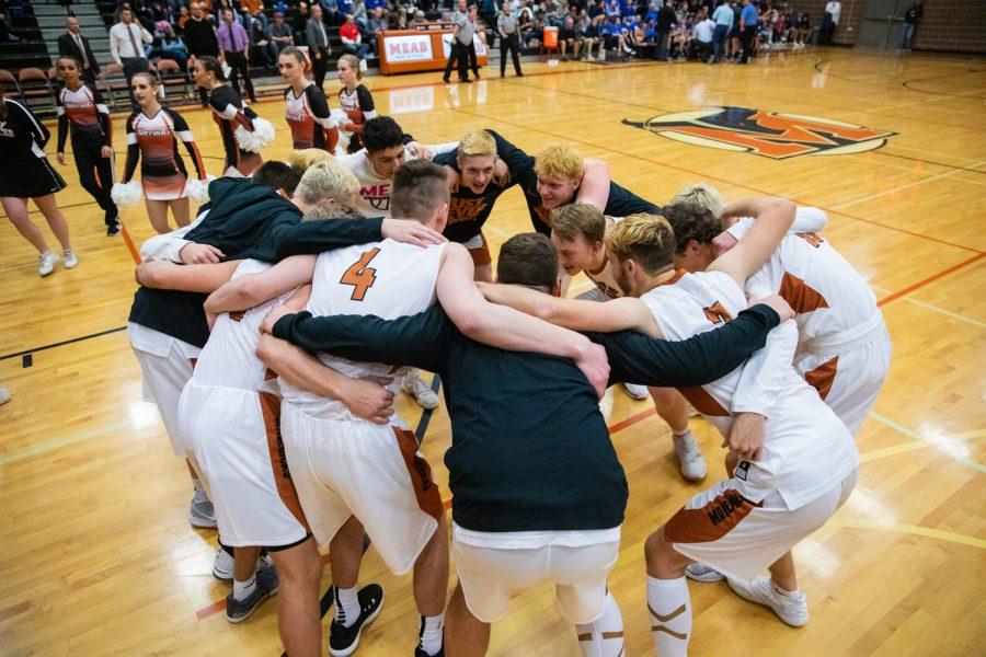 Meads Varsity Boys Basketball falls short of upsetting Longmont
