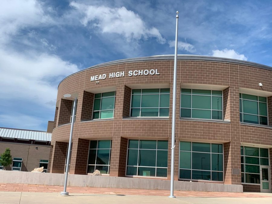 Mead High School welcomes new administration and a new Student Resource Officer