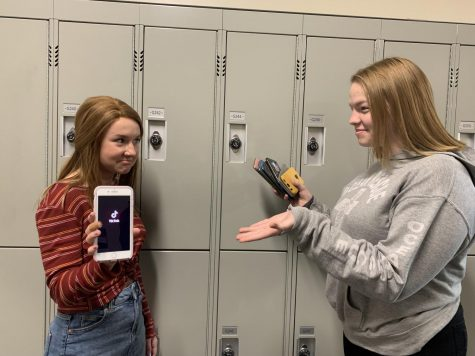 Kenna Stephen breaking her TikTok addiction by handing her phone over to Raylee Phillips.