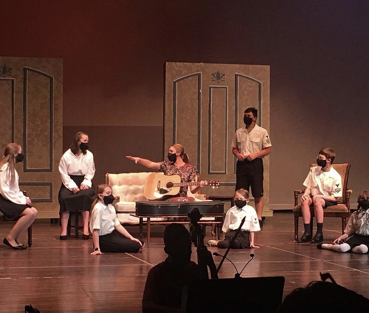 Students+rehearse+for+the+upcoming+musical+The+Sound+of+Music.+